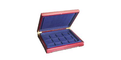 Skrinet kan udvides med indlæg og i alt rumme 48 mønter