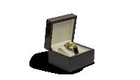 Du har nu muligheden for at bære et eksklusivt armbåndsur med en af de mest eftertragtede amerikanske guldmønter - Gold Eagle. Tilbydes eksklusivt til dig som kunde hos Mønthuset Danmark - dette er en mulighed, som du ikke vil gå glip af. Kun 5 stk. til rådighed.